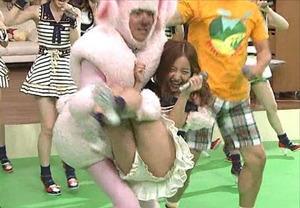 AKB48グループメンバーのTVパンチラ総選挙!お宝ハプニングエロ画像 41枚 No.26