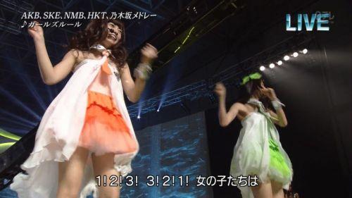 AKB48グループメンバーのTVパンチラ総選挙!お宝ハプニングエロ画像 41枚 No.29