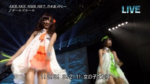 AKB48グループメンバーのTVパンチラ総選挙!お宝ハプニングエロ画像 41枚 No.32