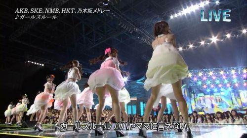 AKB48グループメンバーのTVパンチラ総選挙!お宝ハプニングエロ画像 41枚 No.34