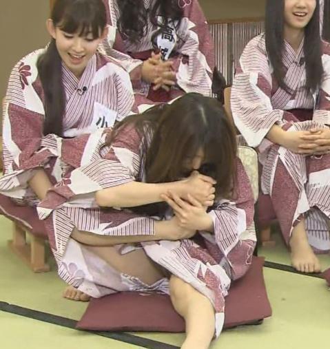 AKB48グループメンバーのTVパンチラ総選挙!お宝ハプニングエロ画像 41枚 No.38