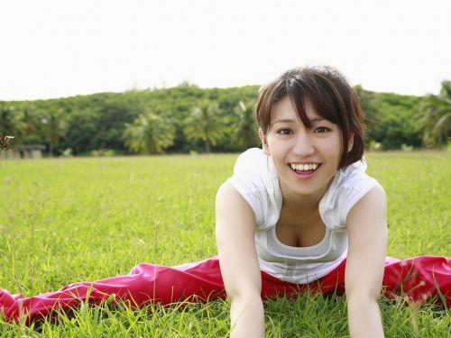 大島優子のおひさまのような笑顔と胸チラと太もものエロ画像 177枚 No.1