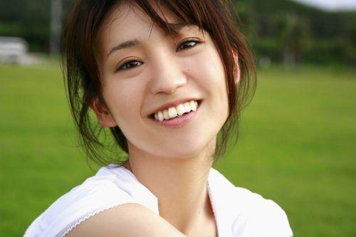 大島優子のおひさまのような笑顔と胸チラと太もものエロ画像 177枚 No.20