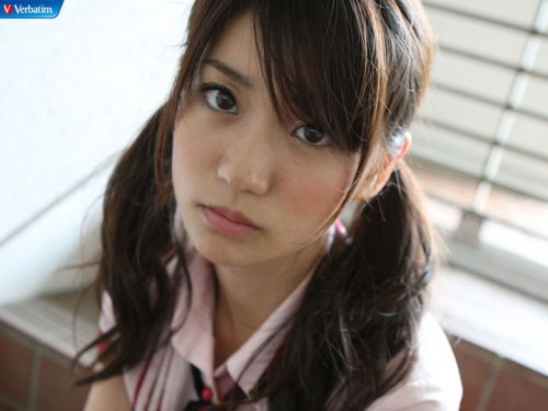 大島優子のおひさまのような笑顔と胸チラと太もものエロ画像 177枚 No.54