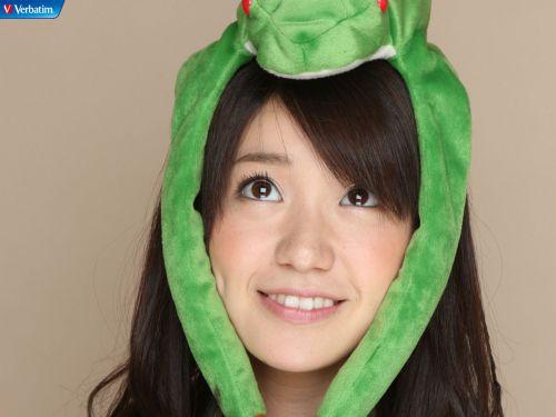 大島優子のおひさまのような笑顔と胸チラと太もものエロ画像 177枚 No.59
