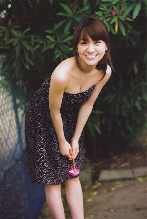 大島優子のおひさまのような笑顔と胸チラと太もものエロ画像 177枚 No.73