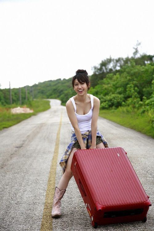大島優子のおひさまのような笑顔と胸チラと太もものエロ画像 177枚 No.85