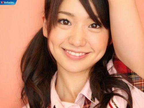 大島優子のおひさまのような笑顔と胸チラと太もものエロ画像 177枚 No.88