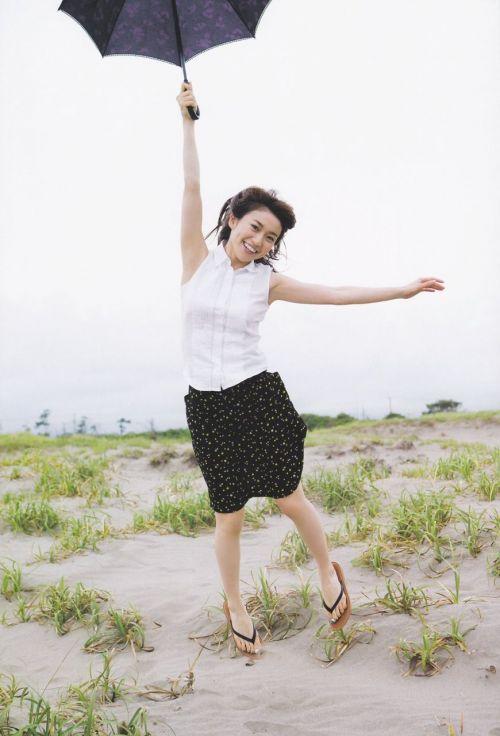 大島優子のおひさまのような笑顔と胸チラと太もものエロ画像 177枚 No.93