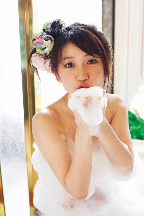 大島優子のおひさまのような笑顔と胸チラと太もものエロ画像 177枚 No.96