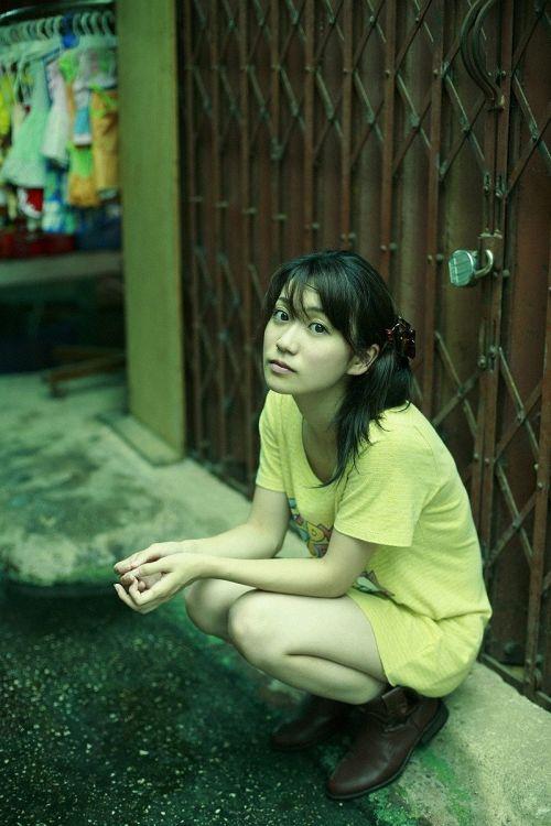 大島優子のおひさまのような笑顔と胸チラと太もものエロ画像 177枚 No.106