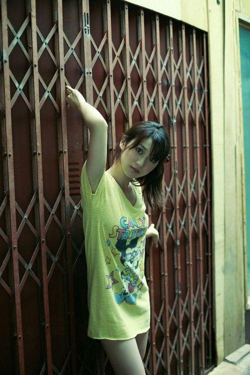 大島優子のおひさまのような笑顔と胸チラと太もものエロ画像 177枚 No.111