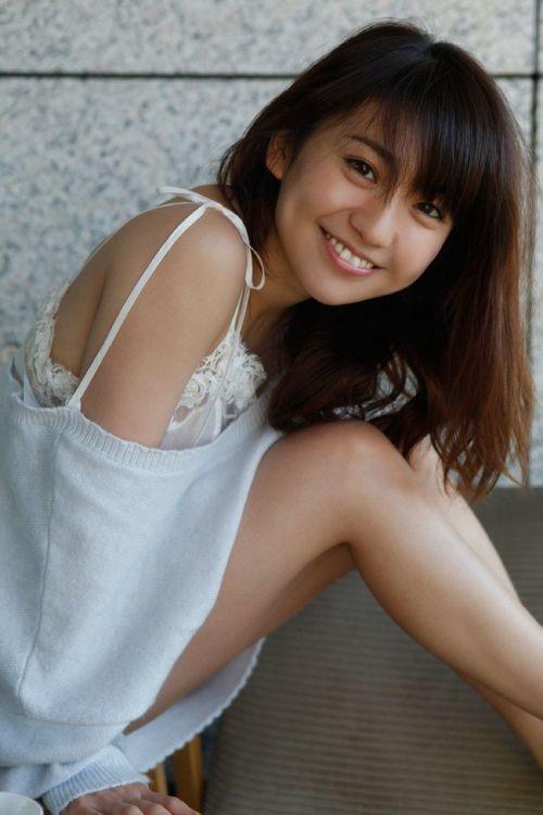 大島優子のおひさまのような笑顔と胸チラと太もものエロ画像 177枚 No.115