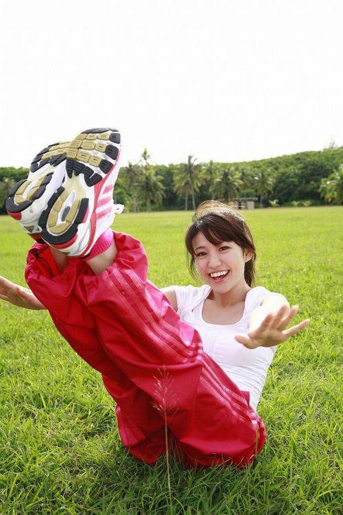 大島優子のおひさまのような笑顔と胸チラと太もものエロ画像 177枚 No.120
