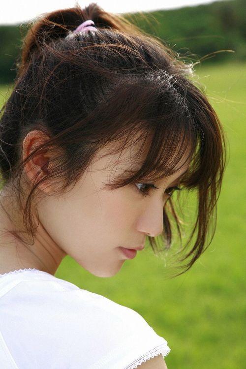 大島優子のおひさまのような笑顔と胸チラと太もものエロ画像 177枚 No.122