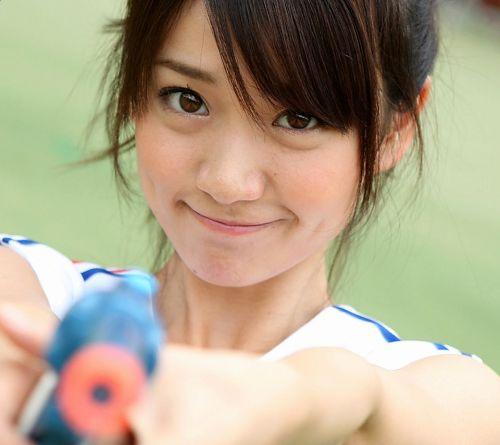 大島優子のおひさまのような笑顔と胸チラと太もものエロ画像 177枚 No.133