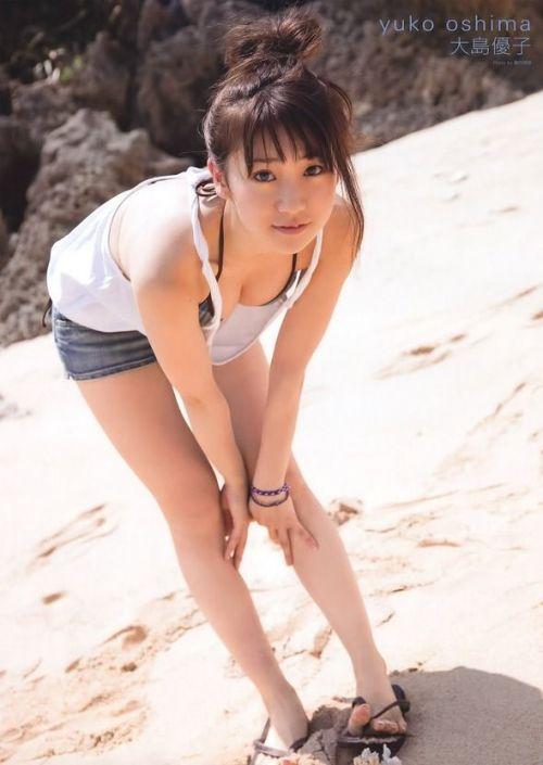 大島優子のおひさまのような笑顔と胸チラと太もものエロ画像 177枚 No.134
