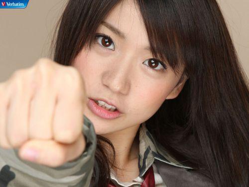 大島優子のおひさまのような笑顔と胸チラと太もものエロ画像 177枚 No.142
