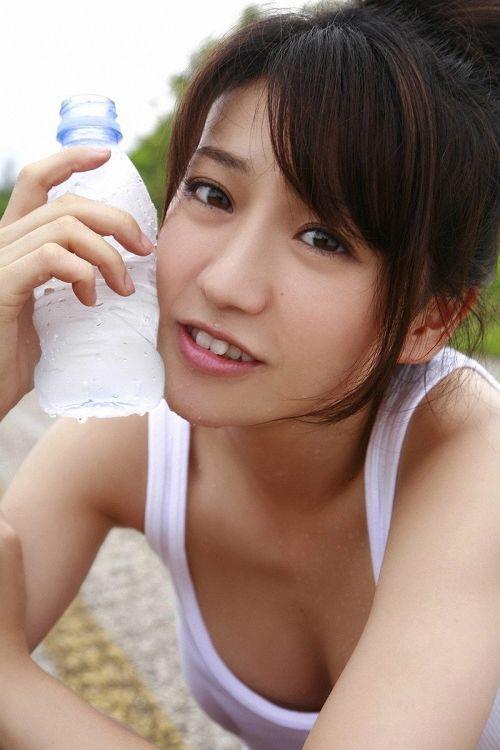 大島優子のおひさまのような笑顔と胸チラと太もものエロ画像 177枚 No.146