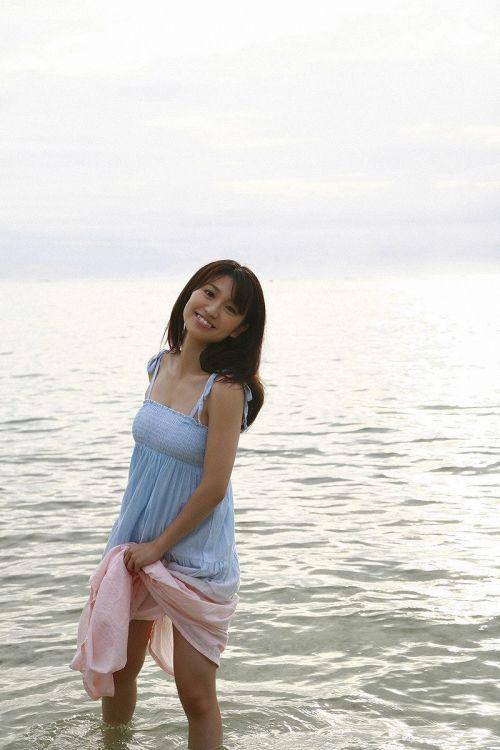 大島優子のおひさまのような笑顔と胸チラと太もものエロ画像 177枚 No.161