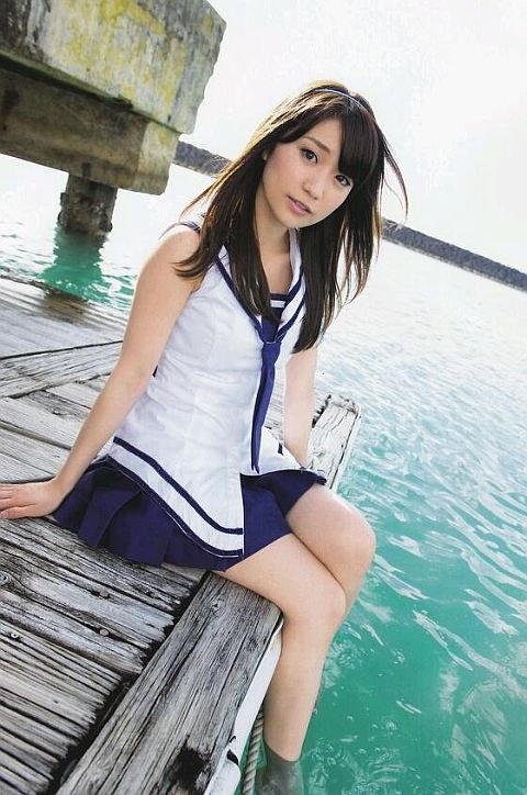 大島優子のおひさまのような笑顔と胸チラと太もものエロ画像 177枚 No.172
