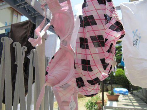 下着フェチの楽園!パンティやブラジャーの洗濯物盗撮エロ画像 34枚 No.3
