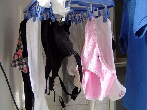 下着フェチの楽園!パンティやブラジャーの洗濯物盗撮エロ画像 34枚 No.10