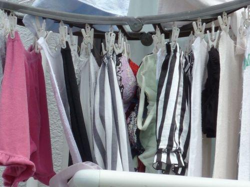 下着フェチの楽園!パンティやブラジャーの洗濯物盗撮エロ画像 34枚 No.11