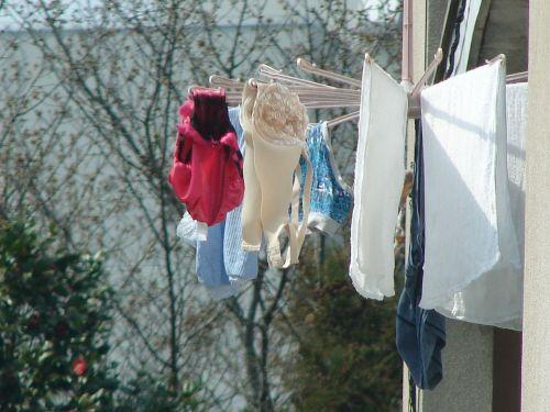 下着フェチの楽園!パンティやブラジャーの洗濯物盗撮エロ画像 34枚 No.13