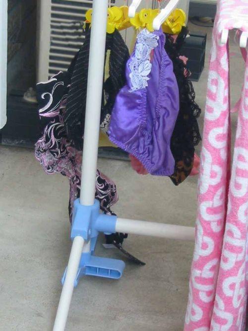下着フェチの楽園!パンティやブラジャーの洗濯物盗撮エロ画像 34枚 No.15