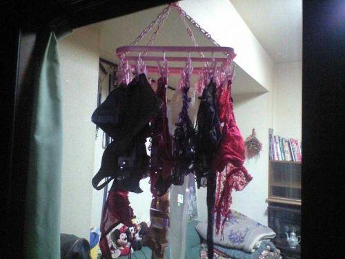 下着フェチの楽園!パンティやブラジャーの洗濯物盗撮エロ画像 34枚 No.17