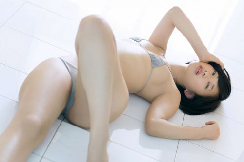 【エロ画像】ケツデカアイドル倉持由香の腰回りの食い込みがけしからんwww 113枚 No.31