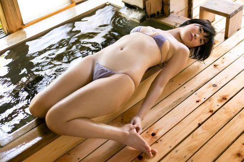 【エロ画像】ケツデカアイドル倉持由香の腰回りの食い込みがけしからんwww 113枚 No.74