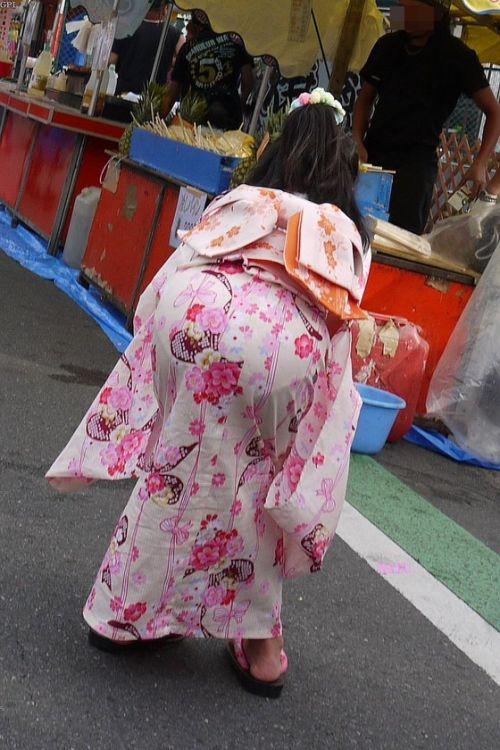 パンツ大漁!浴衣から透けちゃうパンチラ盗撮エロ画像 42枚 No.32
