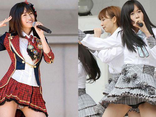 AKB48メンバーがコンサートや劇場でパンチラしちゃうお宝エロ画像 51枚 No.1