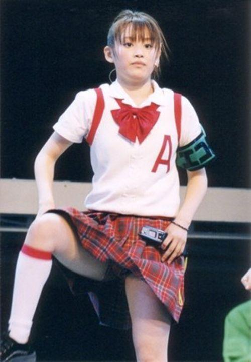 AKB48メンバーがコンサートや劇場でパンチラしちゃうお宝エロ画像 51枚 No.13