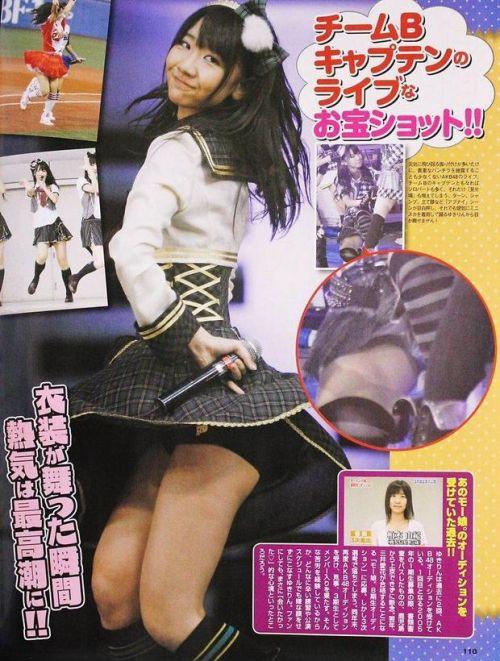 AKB48メンバーがコンサートや劇場でパンチラしちゃうお宝エロ画像 51枚 No.31