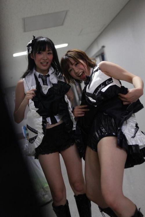 AKB48メンバーがコンサートや劇場でパンチラしちゃうお宝エロ画像 51枚 No.39