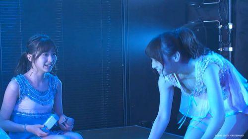 AKB48メンバーがコンサートや劇場でパンチラしちゃうお宝エロ画像 51枚 No.40