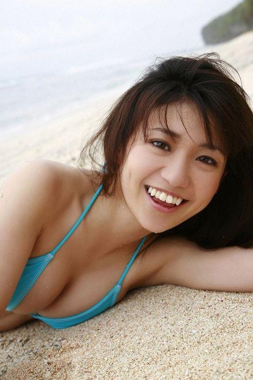 【画像】大島優子の出し惜しみが全くない手ブラやビキニがクッソ抜けるwww 112枚 No.26
