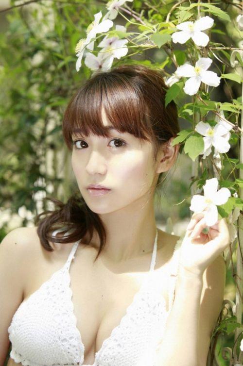 【画像】大島優子の出し惜しみが全くない手ブラやビキニがクッソ抜けるwww 112枚 No.43