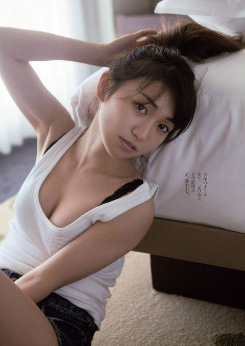 【画像】大島優子の出し惜しみが全くない手ブラやビキニがクッソ抜けるwww 112枚 No.47