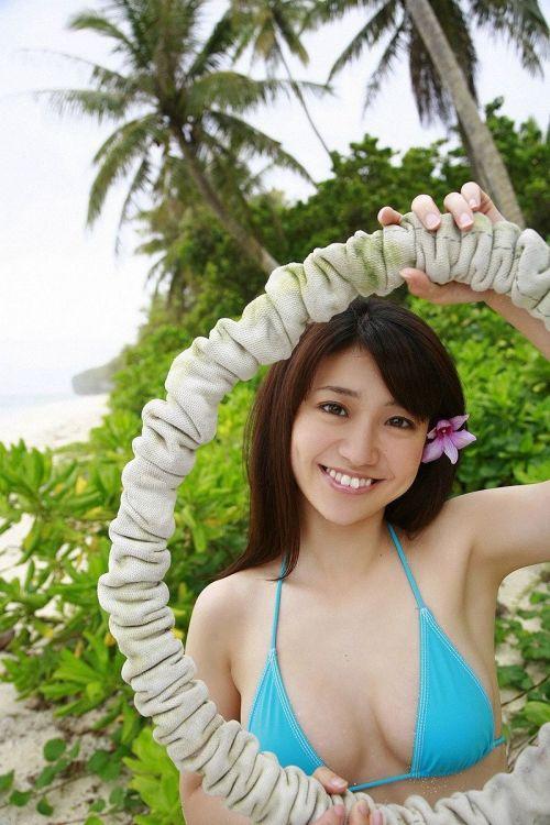 【画像】大島優子の出し惜しみが全くない手ブラやビキニがクッソ抜けるwww 112枚 No.84