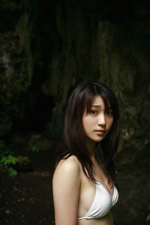 【画像】大島優子の出し惜しみが全くない手ブラやビキニがクッソ抜けるwww 112枚 No.91
