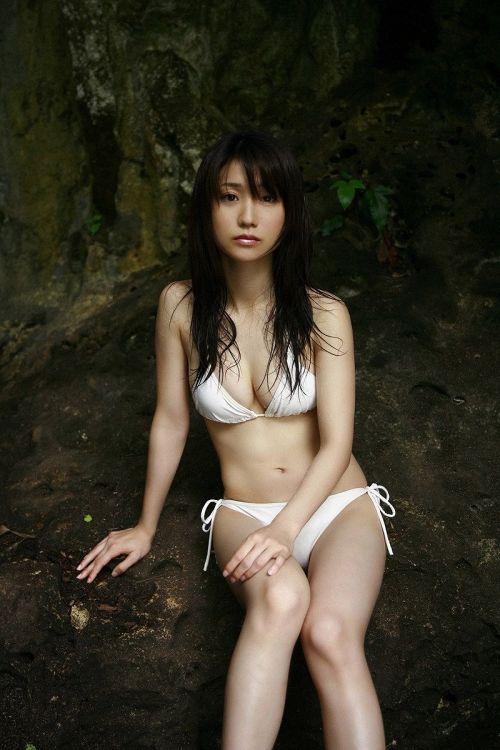 【画像】大島優子の出し惜しみが全くない手ブラやビキニがクッソ抜けるwww 112枚 No.106