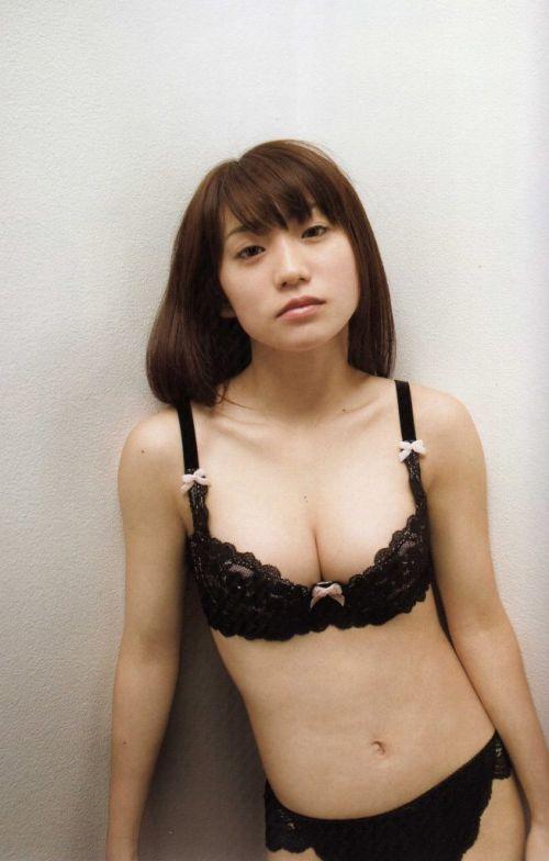 【画像】大島優子の出し惜しみが全くない手ブラやビキニがクッソ抜けるwww 112枚 No.110