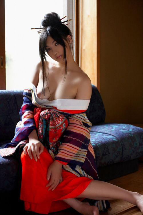 着物が乱れた和服美女がエロい目線で誘惑してくるエロ画像 33枚 No.28
