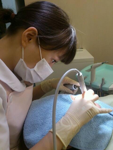 歯科衛生士が診察室で授乳サービスやフェラをしてくれるエロ画像 35枚 No.29