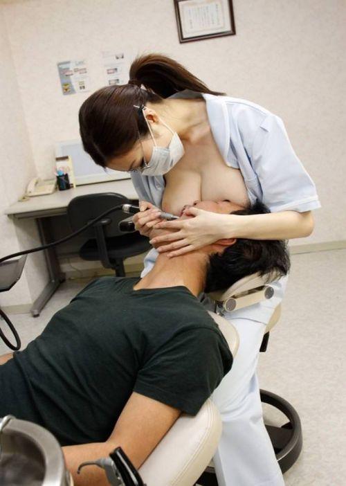 歯科衛生士が診察室で授乳サービスやフェラをしてくれるエロ画像 35枚 No.31