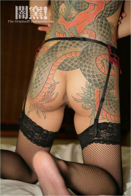 ヤクザ組長の姐さんの全身タトゥー!気合の入った極道の女を御覧ください!!! 35枚 No.9